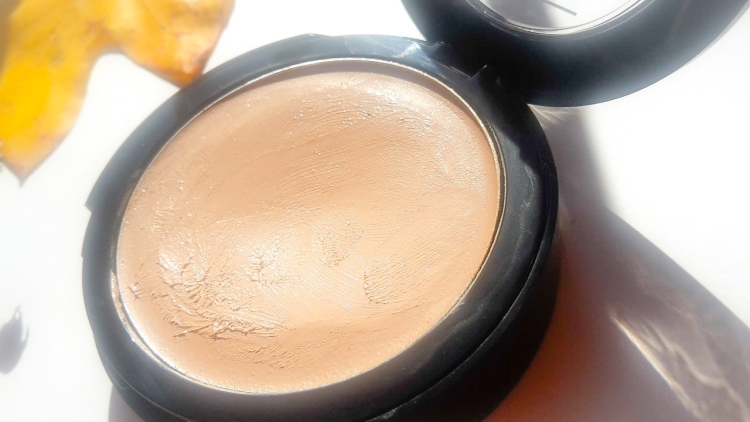 Lavera 2 in 1 Compact Foundation Review